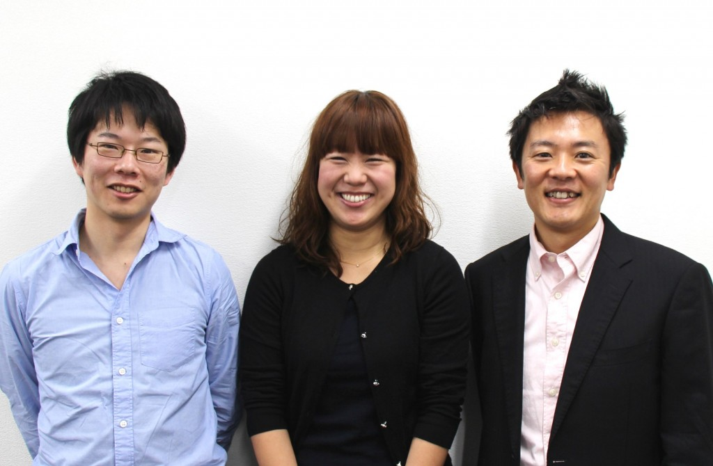 左から、上野(技術)、赤星(サービスマネージャー)、高階(SE)