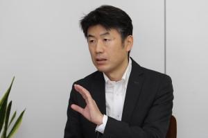 R&D室 藤咲 コンテンツキャッシュ サービスマネージャー。サービス企画、仕様策定などにくわえ、プロジェクト管理・推進を行う。